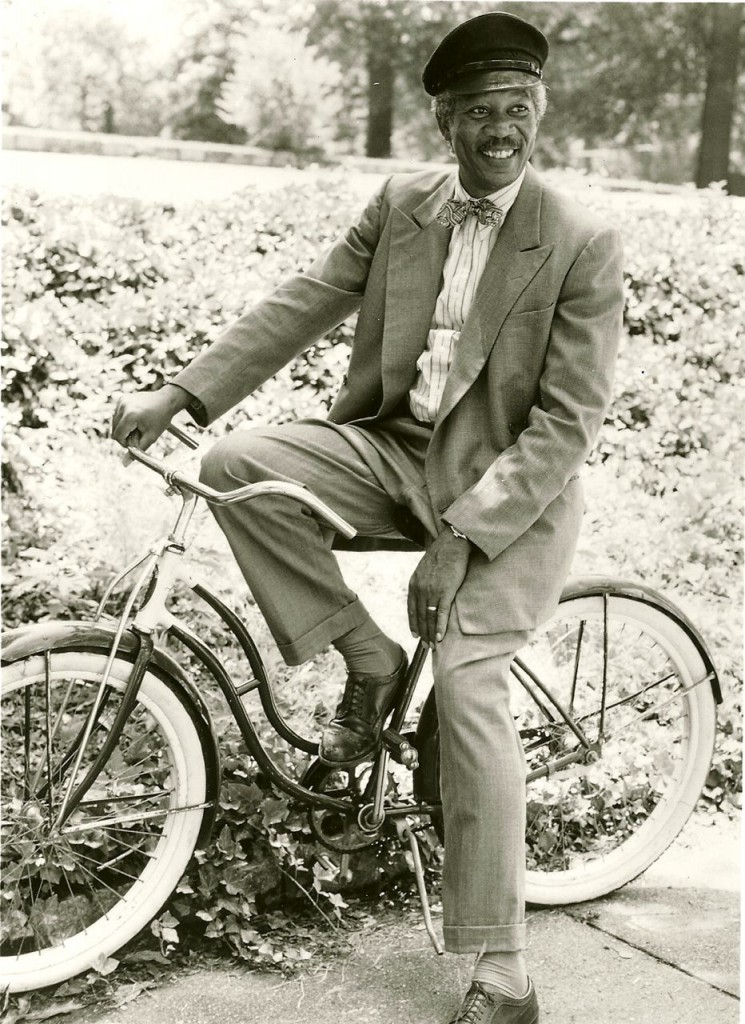 morgan-freeman-cycling-vintage