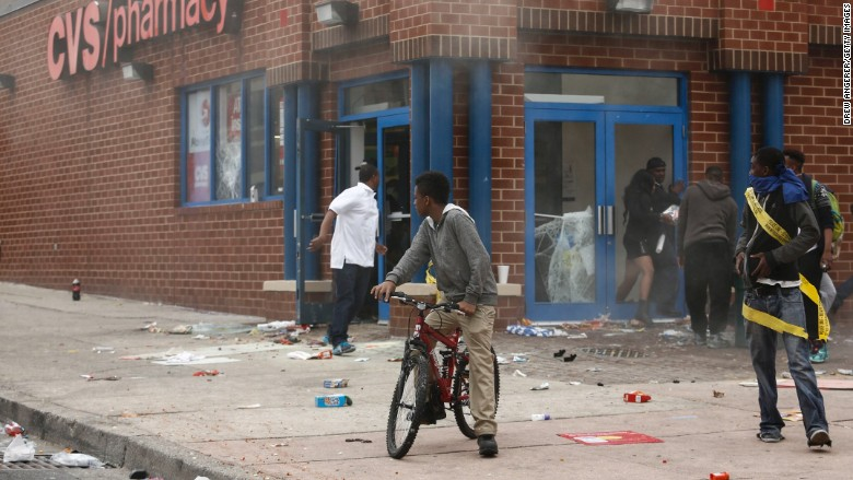 150427190753-baltimore-riots-cvs-780x439